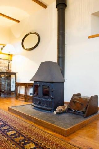 Llwynpur Cottage log burner