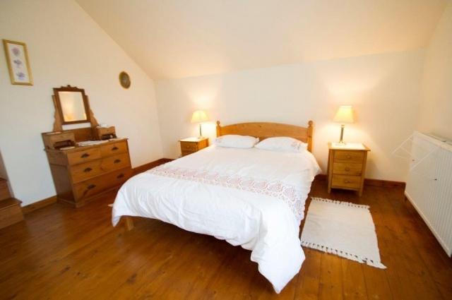 Llwynpur double bedroom