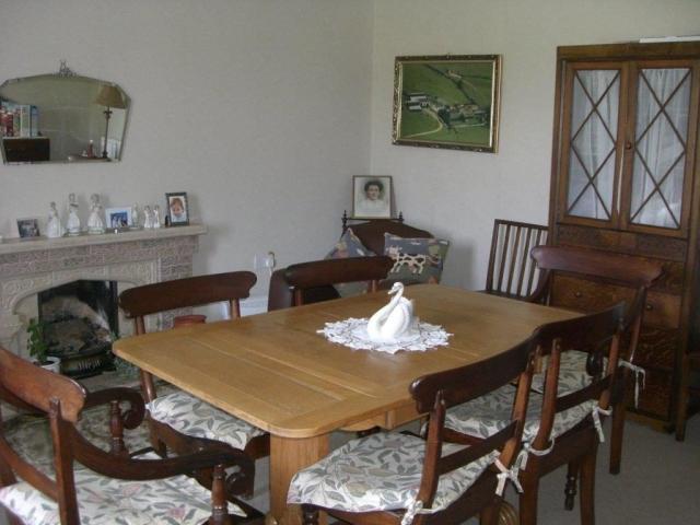 Glanyrynys dining room