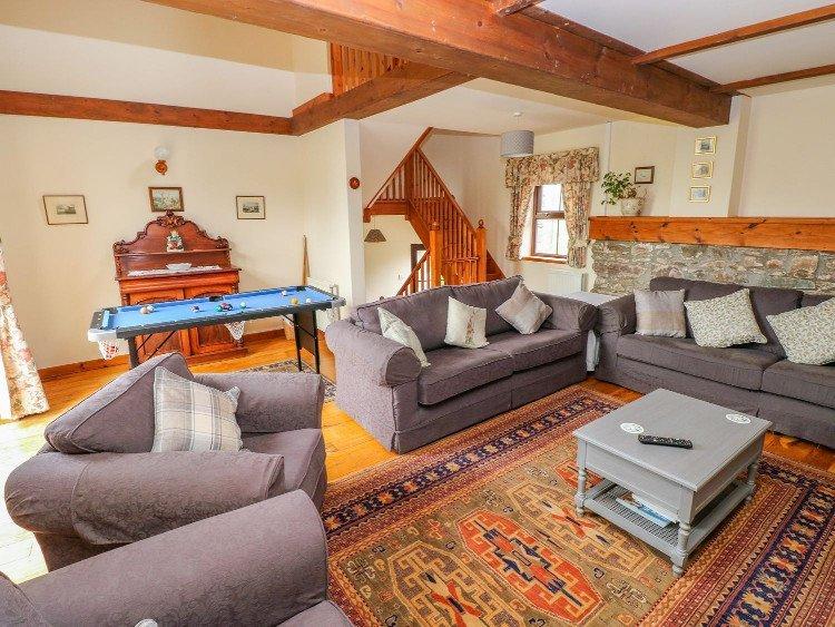 llwynpur main lounge